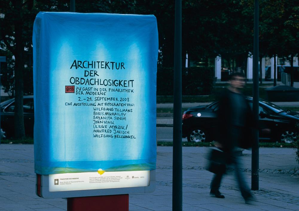 aus der Serie Architektur der Obdachlosigkeit: Motiv Citylight/Motiv Litfaßsäule
